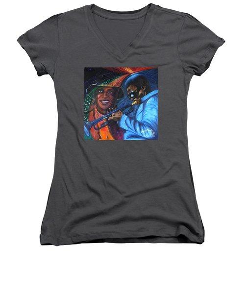 Blaa Kattproduksjoner            Miles Davis - Smiling Women's V-Neck