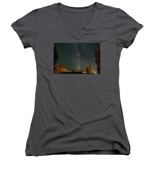 Milky Way Over Farmland In Central Oregon Women's V-Neck T-Shirt