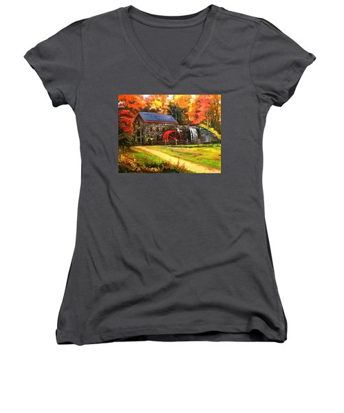 Mill House Women's V-Neck T-Shirt
