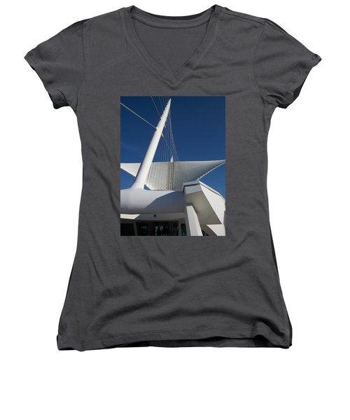 Milwaukee Art Museum Cropped Women's V-Neck (Athletic Fit)