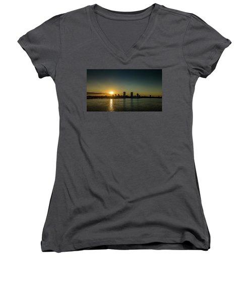 Women's V-Neck T-Shirt featuring the photograph Milwaukee Sunset by Randy Scherkenbach
