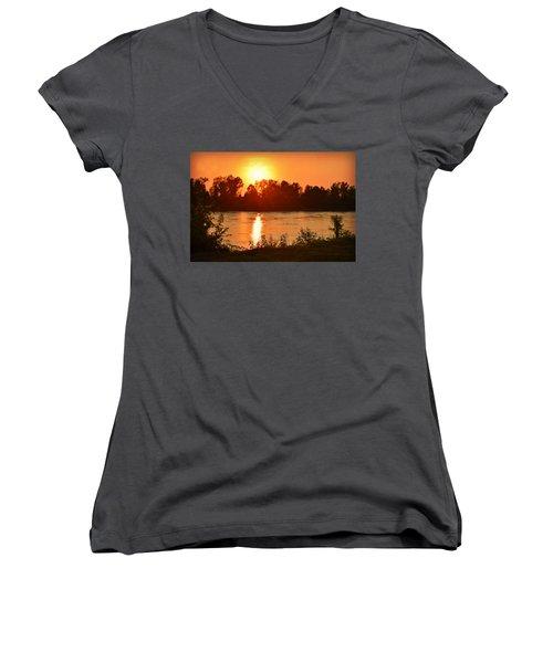 Missouri River In St. Joseph Women's V-Neck T-Shirt