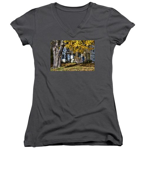 Monday Wash Day Women's V-Neck T-Shirt (Junior Cut) by Betty Pauwels