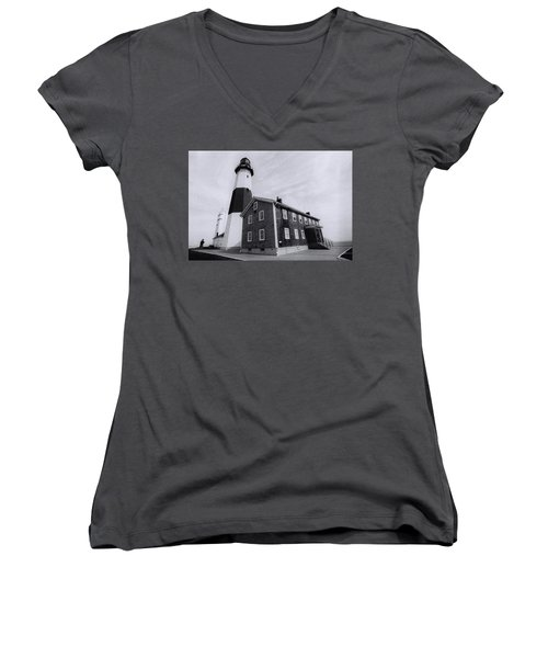 Montauk Lighthouse Women's V-Neck (Athletic Fit)