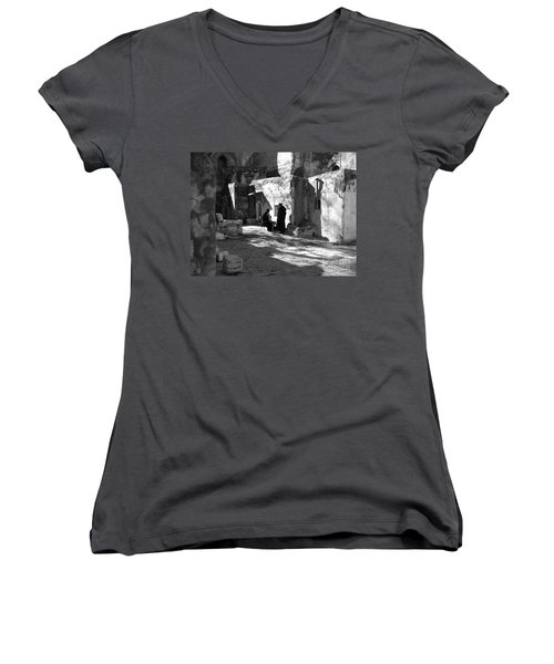 Morning Conversation In Bw Women's V-Neck (Athletic Fit)