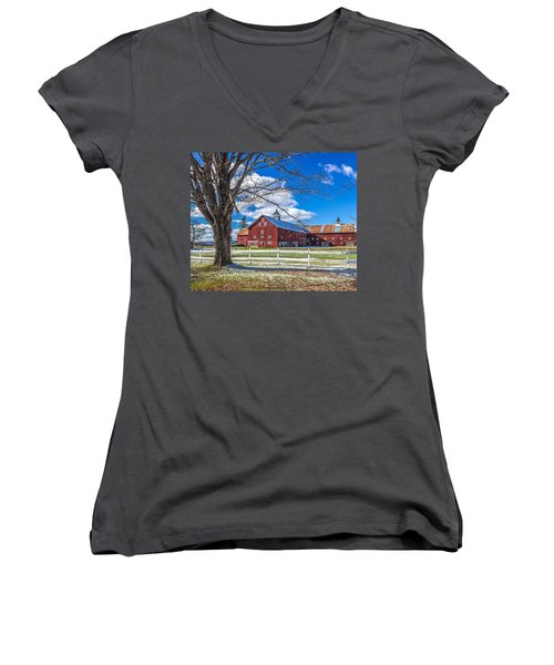 Mountain View Barn Women's V-Neck