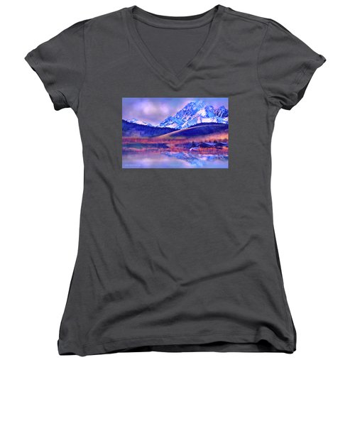 Mt. Stuart Women's V-Neck (Athletic Fit)
