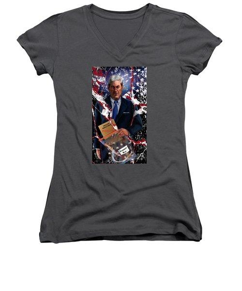 Mueller All The Kings Men 1 Women's V-Neck