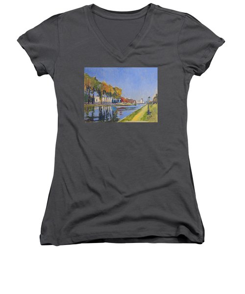 Musee La Boverie Liege Women's V-Neck T-Shirt (Junior Cut)