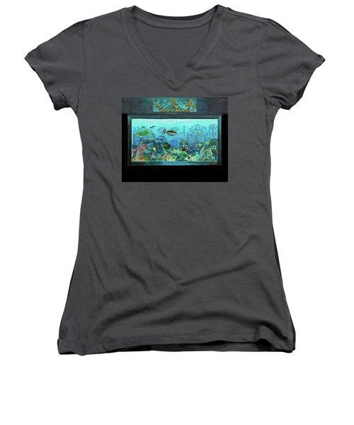 New York Aquarium Women's V-Neck T-Shirt