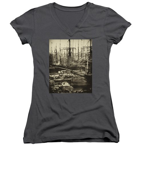 New York City Docks - 1800s Women's V-Neck T-Shirt