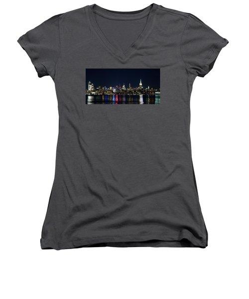 New York Skyline Women's V-Neck T-Shirt