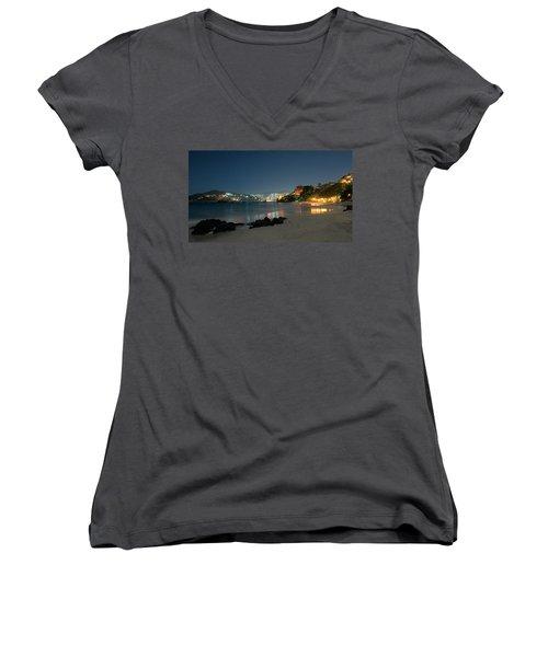 Night Walk On La Ropa Women's V-Neck T-Shirt (Junior Cut) by Jim Walls PhotoArtist
