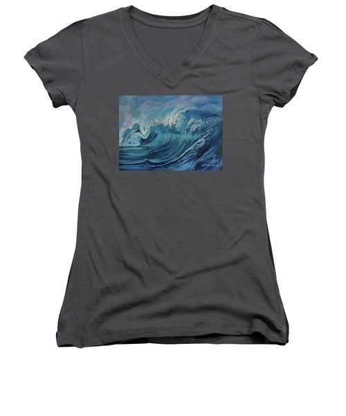 North Shore Wave Oahu Women's V-Neck T-Shirt