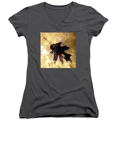 Oak Leaf Underwater Women's V-Neck T-Shirt (Junior Cut) by Tara Hutton