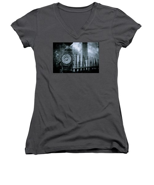 Women's V-Neck T-Shirt (Junior Cut) featuring the photograph Oakwood Cemetery by Linda Unger