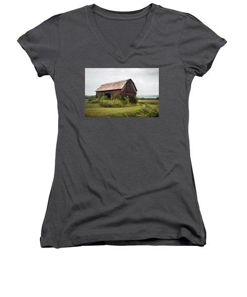 Old Barn On Seneca Lake - Finger Lakes - New York State Women's V-Neck T-Shirt (Junior Cut) by Gary Heller