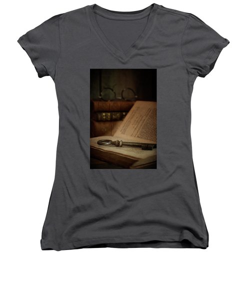 Old Book With Key Women's V-Neck T-Shirt