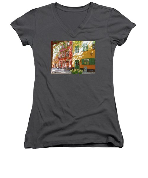 Old City Women's V-Neck