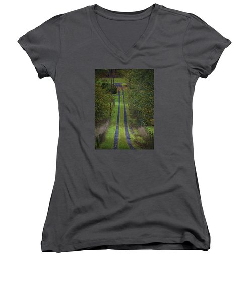 Old Farm Road Women's V-Neck (Athletic Fit)