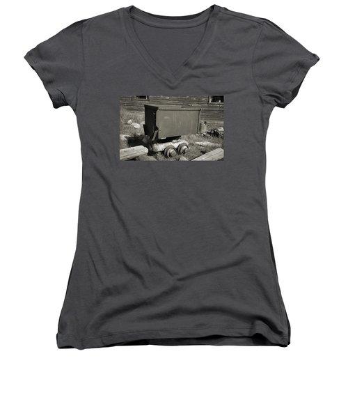 Old Mining Cart Women's V-Neck T-Shirt