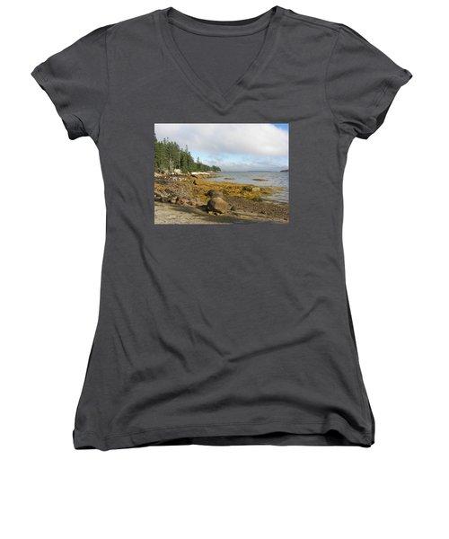 Old Quarry Beach, Stonington, Me Women's V-Neck T-Shirt