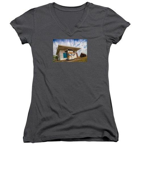 Old Servo Women's V-Neck T-Shirt