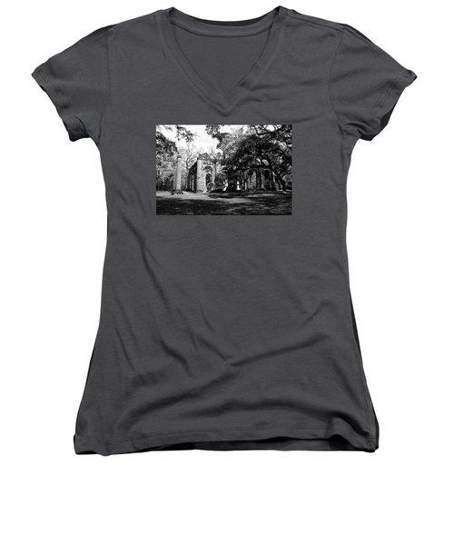 Women's V-Neck T-Shirt (Junior Cut) featuring the photograph Old Sheldon Church  by Gary Wightman