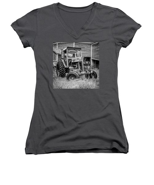 Old Vintage Tractor On A Farm In New Hampshire Square Women's V-Neck