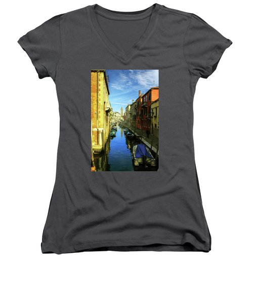 one of the many Venetian canals on a Sunny summer day Women's V-Neck T-Shirt