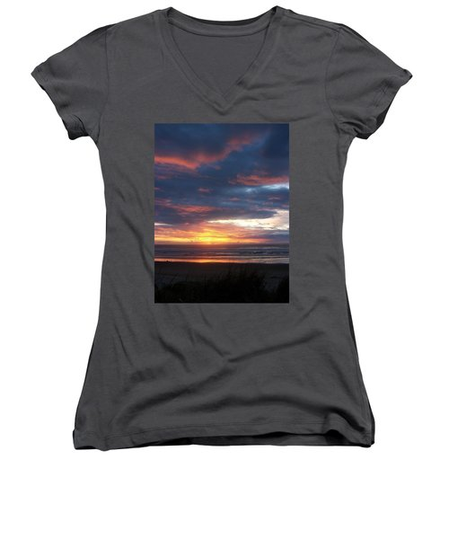 Oregon Coast 11 Women's V-Neck T-Shirt