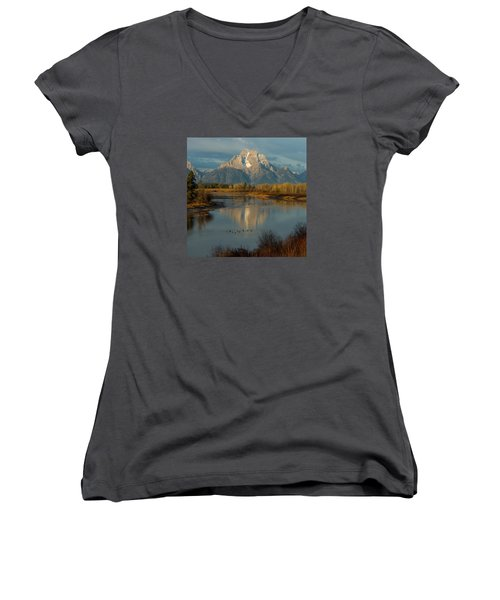 Oxbow Bend Women's V-Neck (Athletic Fit)