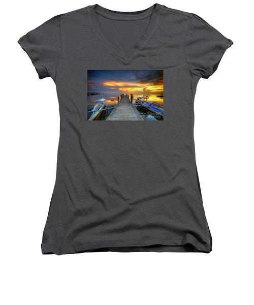 Panglao Port Sunset 8.0 Women's V-Neck T-Shirt (Junior Cut) by Yhun Suarez