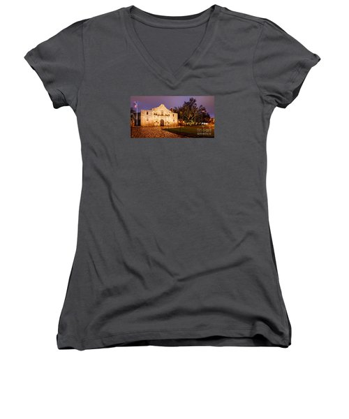 Panorama Of The Alamo In San Antonio At Dawn - San Antonio Texas Women's V-Neck T-Shirt
