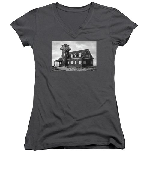 Women's V-Neck T-Shirt featuring the photograph Pea Island Station 2 by Alan Raasch