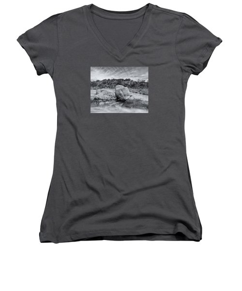 Pedernales River Falls In Black And White - Texas Hill Country Women's V-Neck T-Shirt