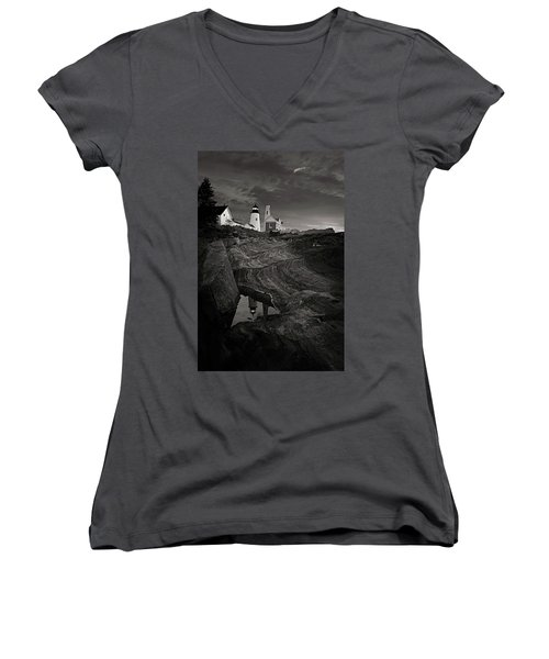 Pemaquid Lighthouse At Dawn Black And White Women's V-Neck T-Shirt