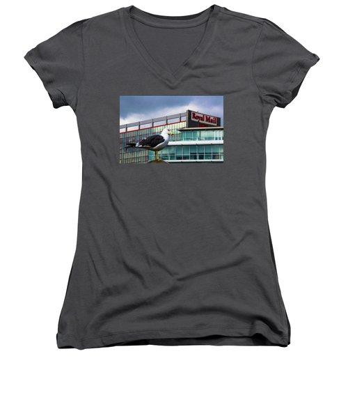 Perched Gull Women's V-Neck T-Shirt