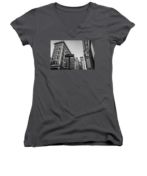 Women's V-Neck T-Shirt (Junior Cut) featuring the photograph Philadelphia Urban Landscape - 0980 by David Sutton