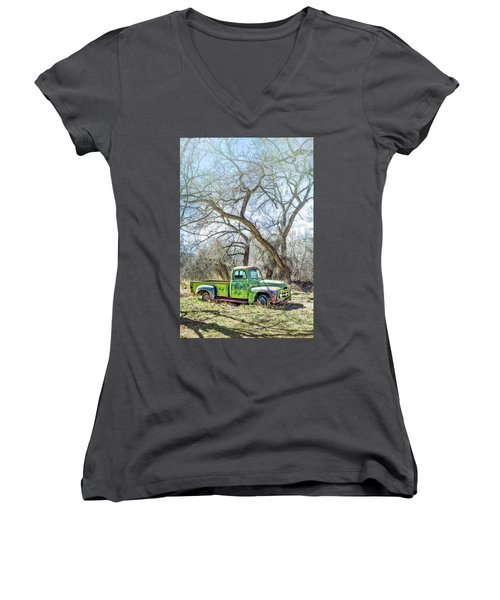 Pickup Under A Tree Women's V-Neck T-Shirt (Junior Cut) by Robert FERD Frank