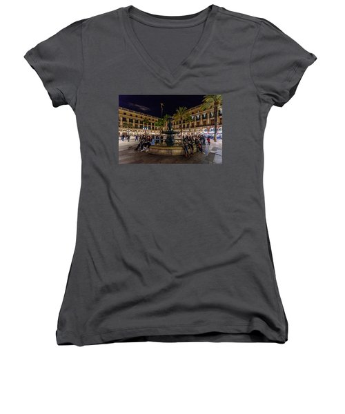 Plaza Reial Women's V-Neck T-Shirt