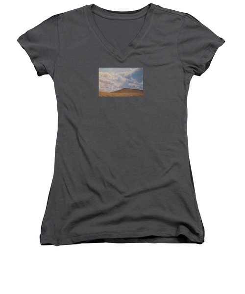 Prairie Hill Women's V-Neck