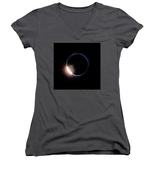 Pre Daimond Ring Women's V-Neck T-Shirt