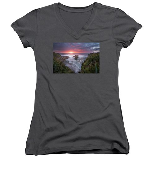 Punakaiki Women's V-Neck T-Shirt