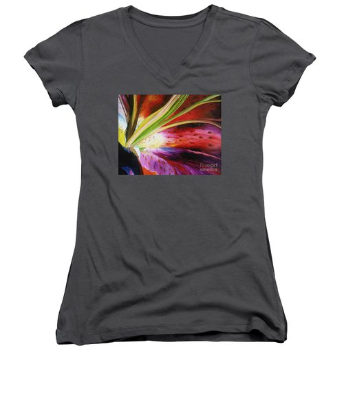 Purple Lily Women's V-Neck