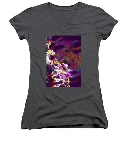 Razorbill Bird Wildlife Animal  Women's V-Neck T-Shirt