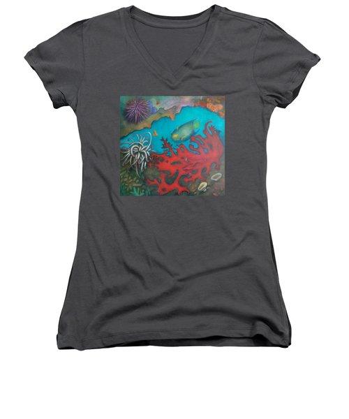 Red Reef Women's V-Neck