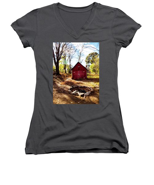 Red Shed Women's V-Neck T-Shirt
