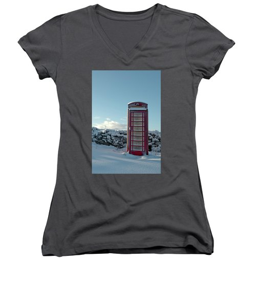 Red Telephone Box In The Snow IIi Women's V-Neck