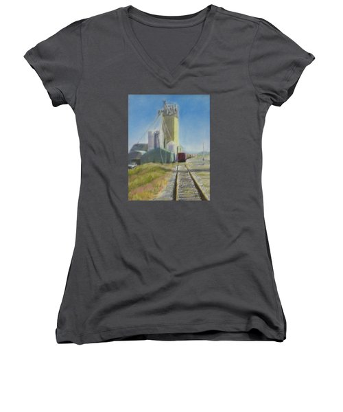Refill Women's V-Neck T-Shirt